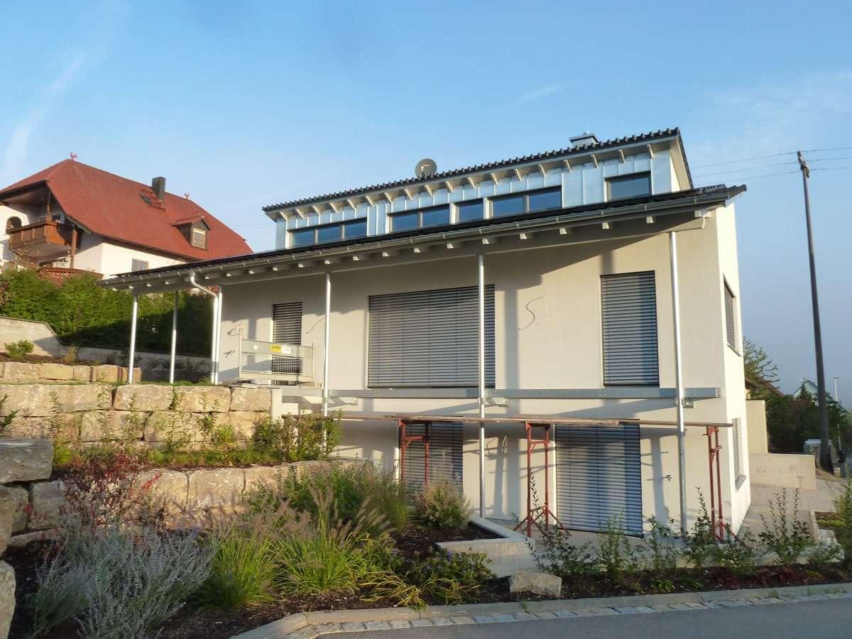 ERSTBEZUG! Exklusive 5 Zimmer-Wohnung mit sonniger Terrasse, Einbauküche, Wfl. 172m² in Eltmann (Haßberge)