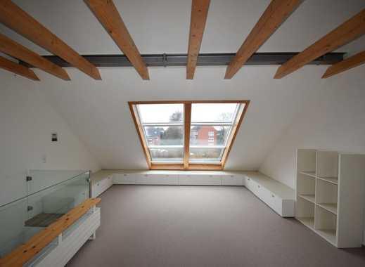 Haben Sie sich schon immer ein Atelierzimmer im Haus gewünscht? Dieses Reihenendhaus hat viel zu ...