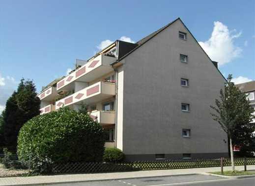 Drei-Zimmer-Wohnung im Hochparterre mit schönem Balkon!