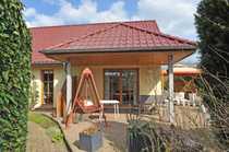 Bungalow mit Vollbad Fußbodenheizung S-W-Terrasse