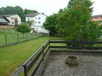 Sonniges Terrassenhaus mit großem Grundstück