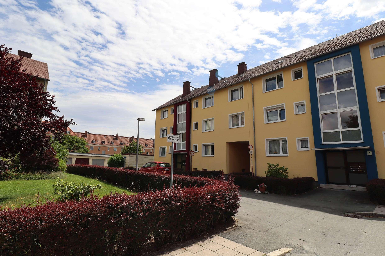gemütliche Drei-Zimmer-Wohnung mit Balkon in ruhiger Wohnlage in