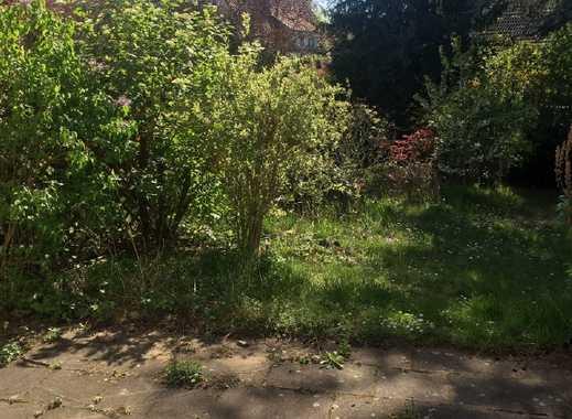Sonniges Reihenhaus mit herrlichem Gartengrundstück und Garage