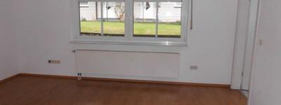 Für Singles: Helle 2 Zimmer-Souterrain-Wohnung in Dehme Nähe Werrepark