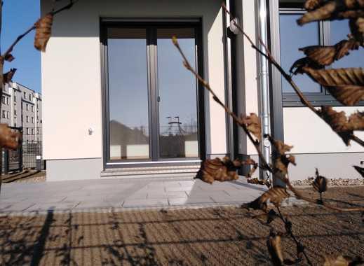 Erstbezug: 3-Zimmer-EG-Wohnung mit Garten in Berlin Biesdorf