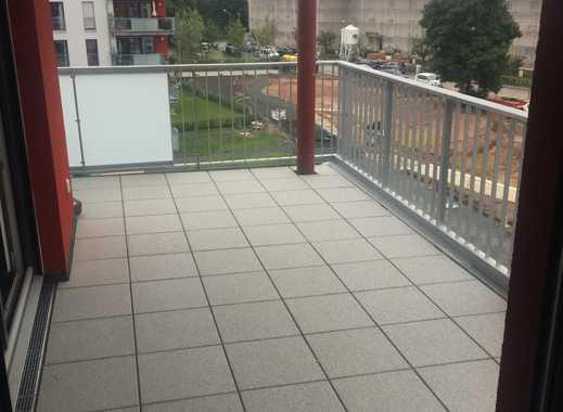 912 €, 76 m², ruhige 3 Zimmerwohnung im 3. OG mit großem Balkon zum Innenhof ab sofort