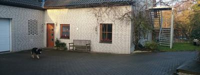 Sehr schöne Wohnung mit seperatem Eingang, Carport und Garten