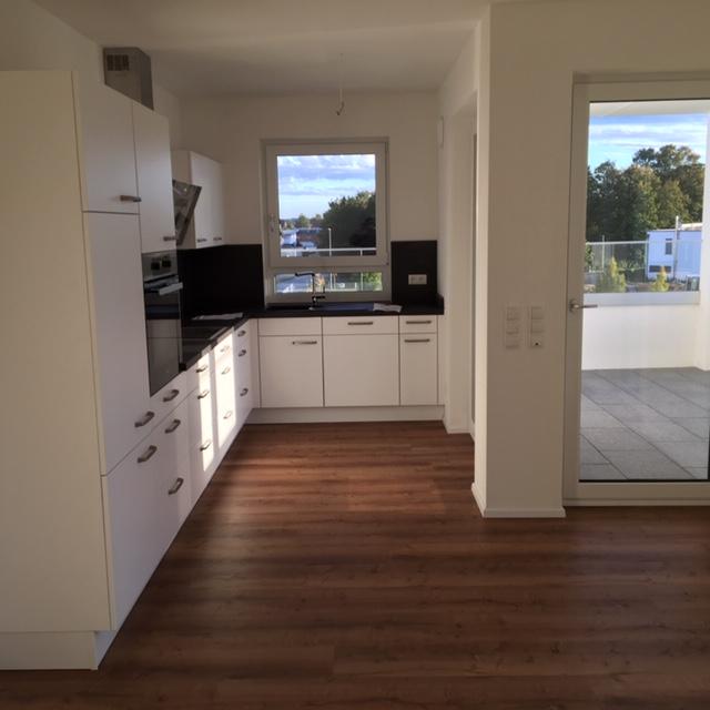 Erstbezug mit Einbauküche und Balkon: ansprechende 2-Zimmer-Wohnung in Straubing in Alburg (Straubing)