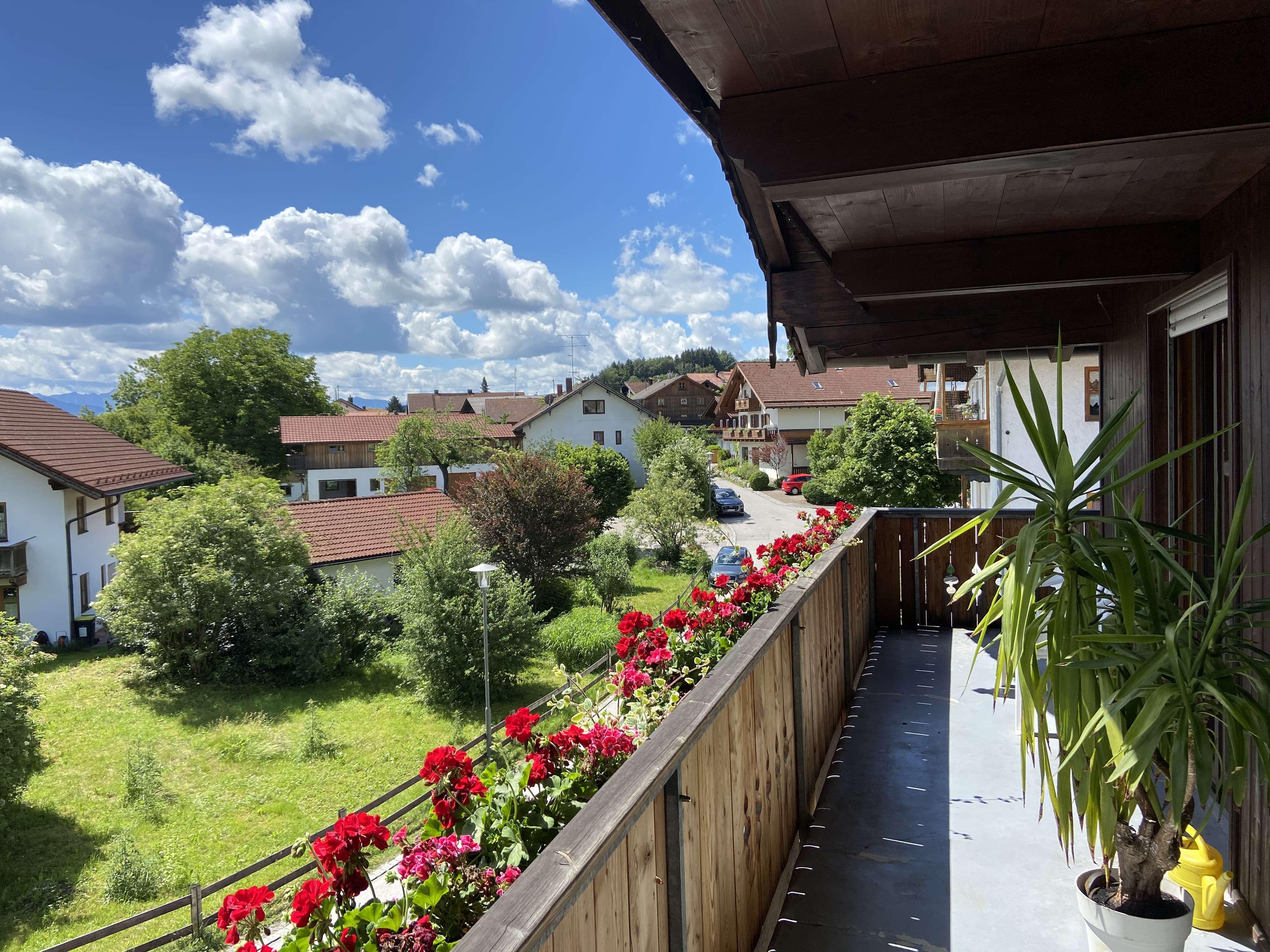 Stilvolle, gepflegte 3-Zimmer-Wohnung mit großem Balkon in Eurasburg in