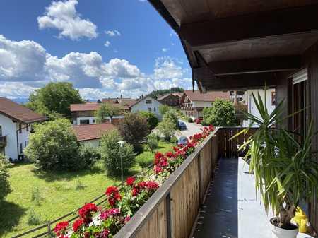 Stilvolle, gepflegte 3-Zimmer-Wohnung mit großem Balkon in Eurasburg in Eurasburg (Bad Tölz-Wolfratshausen)