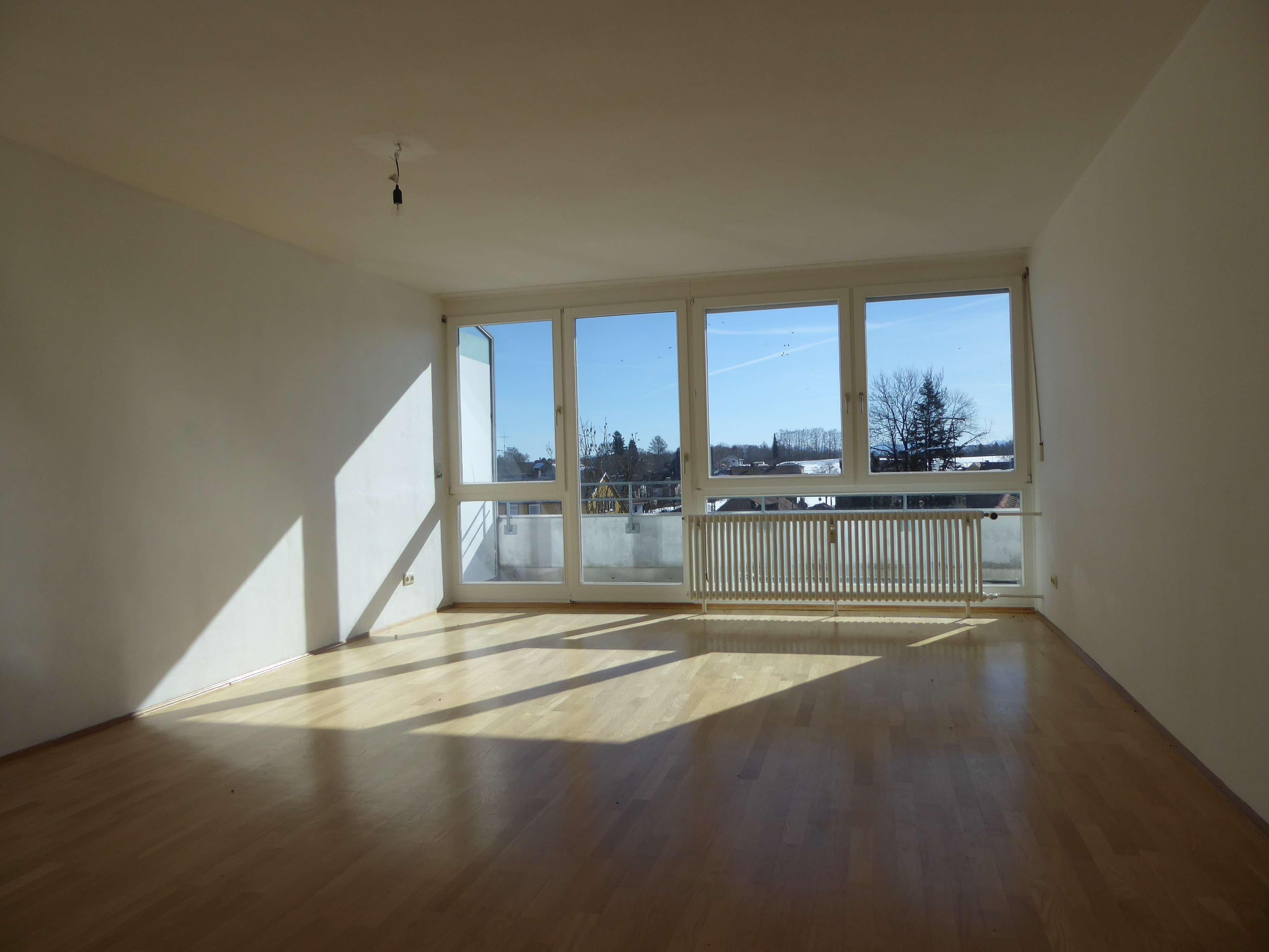 Hohenschäftlarn * helle 2,5 Zi. Whg. mit großem Balkon * 75 m²