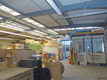 Große Lagerhalle mit 2 Einzelbüros