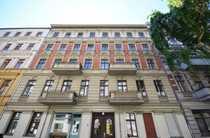 Bild Vermietete Altbauwohnung: 2 Zimmer, geplanter Südbalkon+Aufzug nahe Schloss Charlottenburg