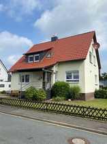 Freistehendes Einfamilienhaus mit Garten in
