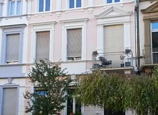 Stilvolle 2-Zimmer-Dachgeschosswohnung in Bestlage Frankfurt