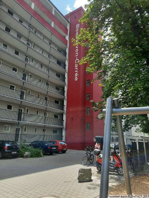 Moderne 1 ZKB-Wohnung mit Einbauküche und Balkon im Herzen von Augsburg in