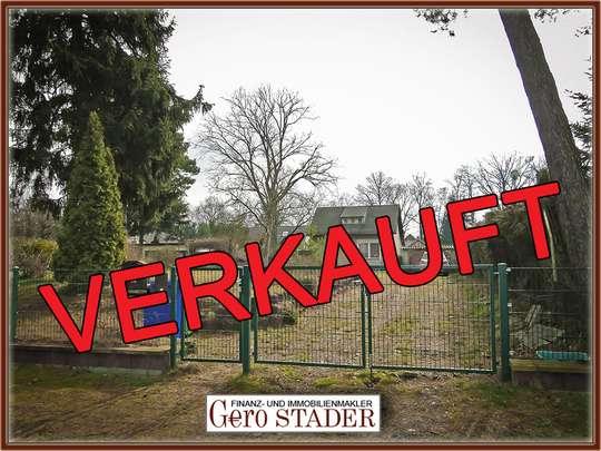 Voll erschlossenes Baugrundstück mit Gartenhaus am Südrand von Berlin - Bild 1