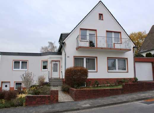 Stattliches Einfamilienhaus mit Anbau und großem Liebhabergarten in gehobener Lage von Lengsdorf
