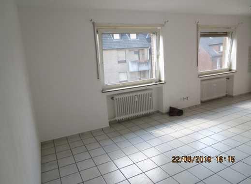 Helles Appartement mit EBK im 2. OG