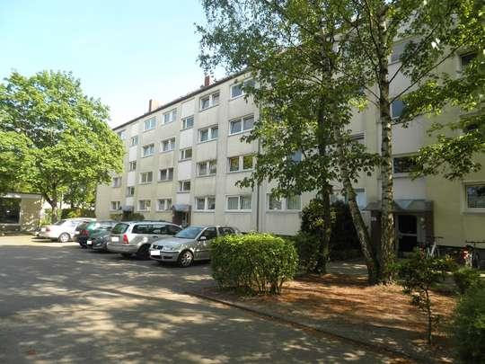 Sanierte 3-Zimmer Wohnung mit Balkon in Groß Buchholz, Leistikowweg 9