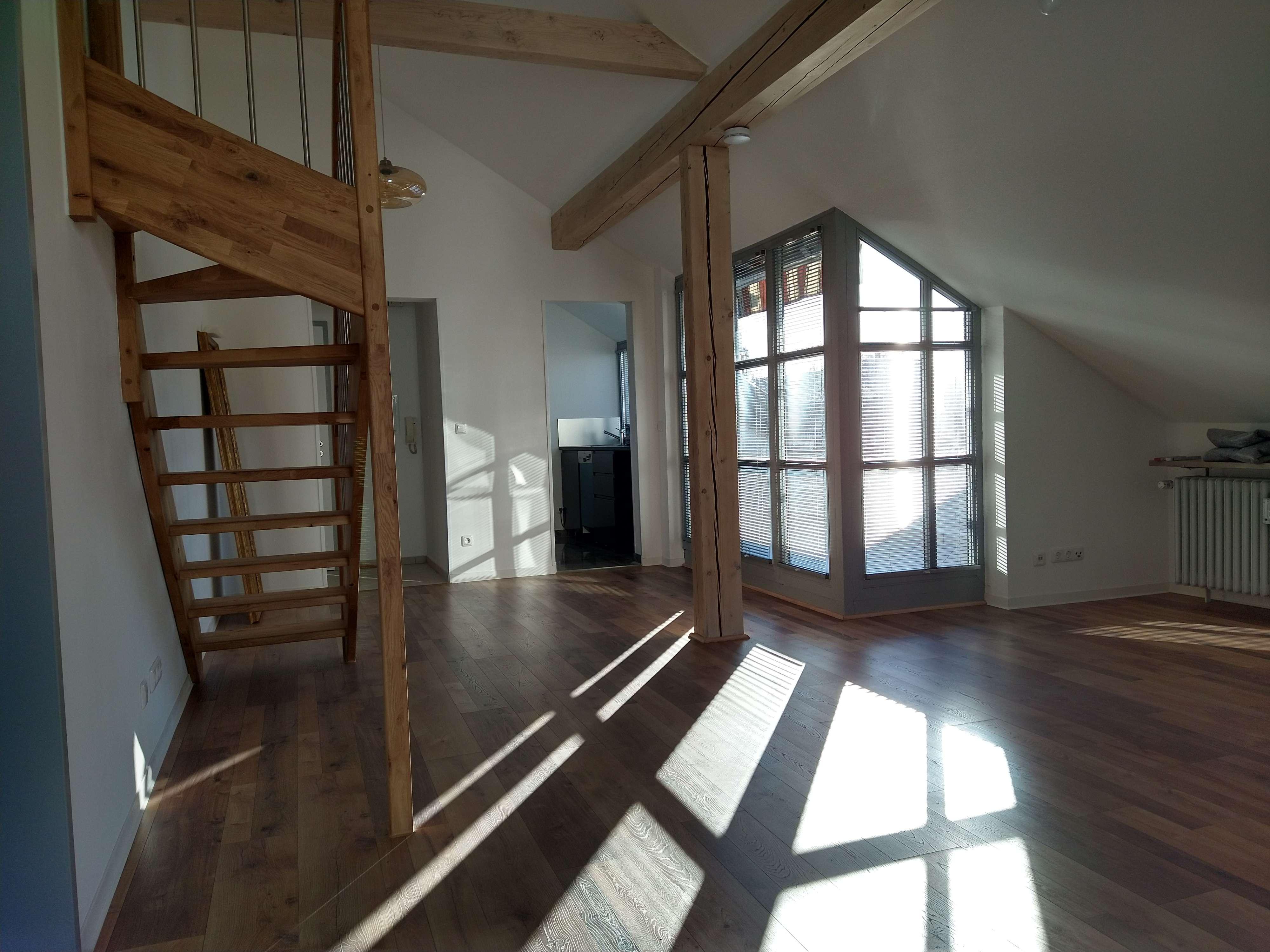 Ruhige, sanierte drei Zimmer Wohnung in München-Pasing in Pasing (München)