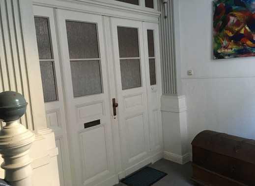 Renovierte Altbau-Wohnung mit Charme