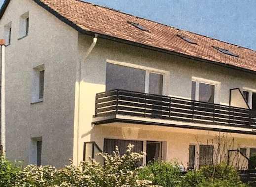 Freundliche 2-Zimmer-DG-Wohnung mit Teil-EBK in Bad Pyrmont