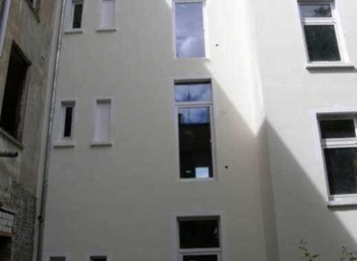 Eckhaus - Altbau - 100% Leerstand mit teilausgebautem DG