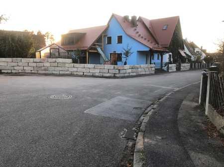 Erstbezug nach Sanierung: ansprechende 2-Zimmer-DG-Wohnung mit Balkon in Burgthann in Burgthann