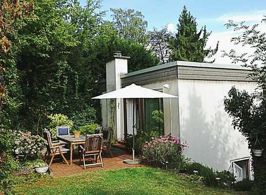 Sachsenhausen Mühlberg: Sanierungsbedürftiger Bungalow mit schönem Garten und Garage