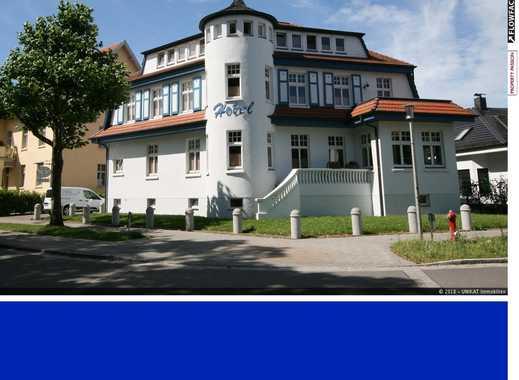 Schickes Hotel in Villa am Meer