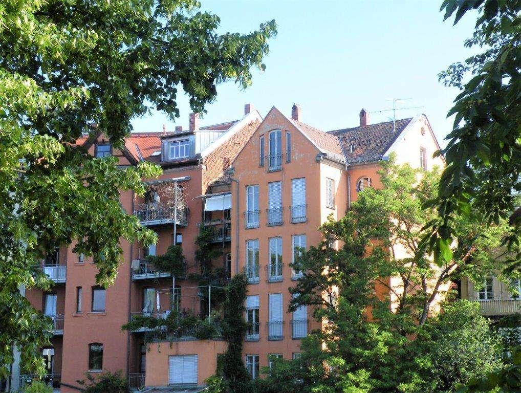 1A Lage direkt an der Pegnitz: 4-Zimmer-Etagenwohnung, ca.120 m², Südbalkon - renovierter Altbau