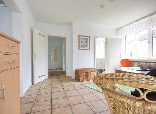 Helle Wohnung mit kompletter Möblierung, Nähe Straßenbahnhaltestelle, Internetzugang möglich