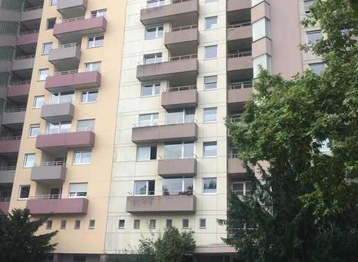 Großzügige 3,5-Zi.-Eigentumswohnung m. EBK, Süd-Balkon, Tiefgaragenplatz in Darmstadt-Kranichstein