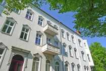Bild Terrassen-DG mit modernem Grundriss in saniertem Jugendstilhaus - Damerowstraße!