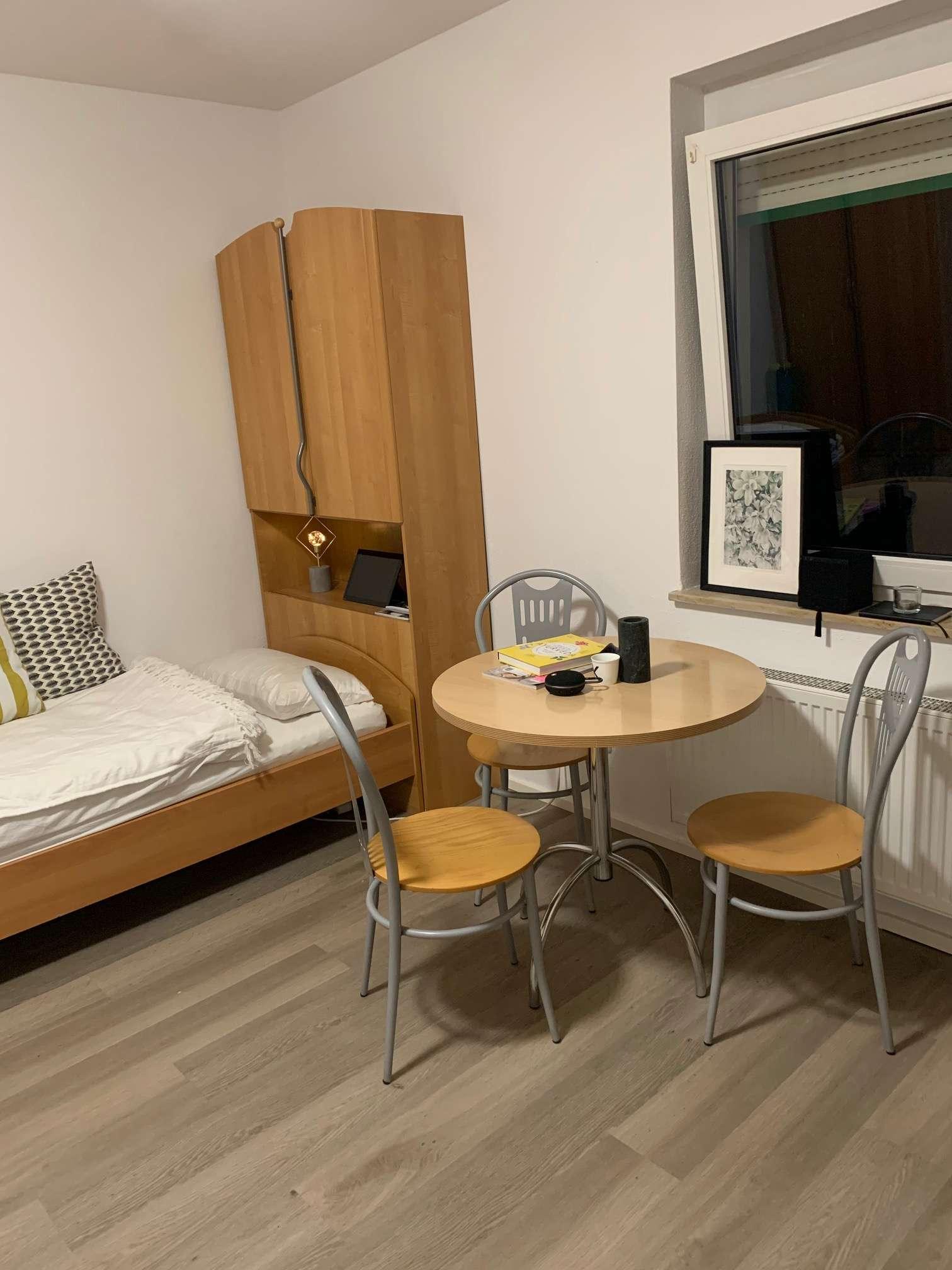 Für Studenten, schönes möbliertes 1-Zimmer Apartment !  Anfragen bitte nur per E-Mail in