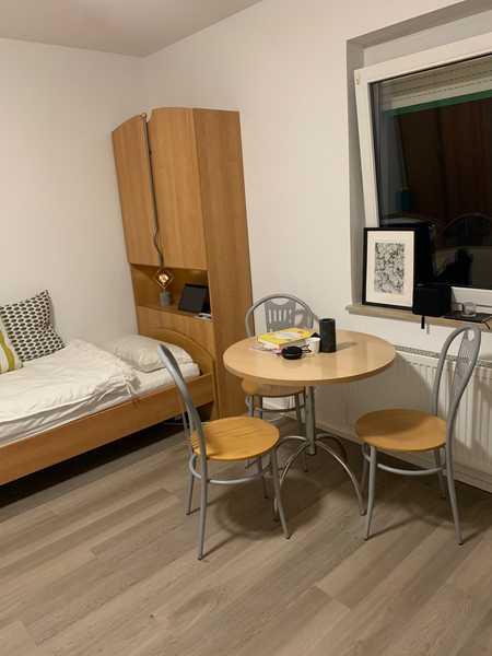 Für Studenten, schönes möbliertes 1-Zimmer Apartment !  Anfragen bitte nur per E-Mail in Erlangen - Zentrum (Erlangen)