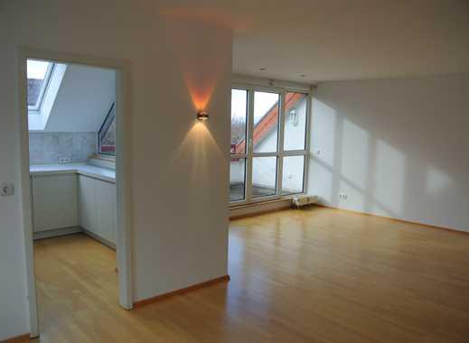 Ruhige und helle 3-Zi-Maisonette-Whg mit Balkon, EBK, TG  in Bad Vilbel