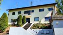 Renovierte 3-Zimmer-DG-Wohnung mit Balkon und