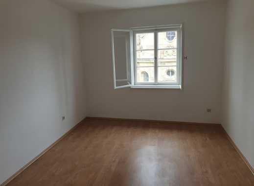 Erstbezug nach Sanierung: ansprechende 5-Zimmer-Wohnung in Kitzingen