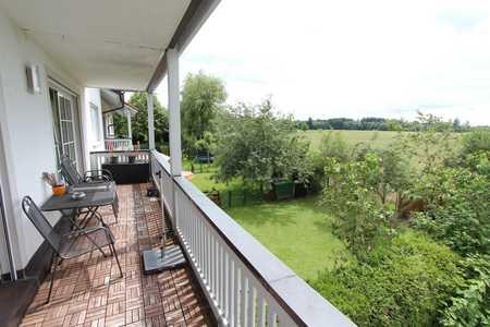 Sonnige 3-Zimmer-Wohnung mit großem Wohn-Ess-Bereich und Balkon, Brunnthal-Faistenhaar in Brunnthal