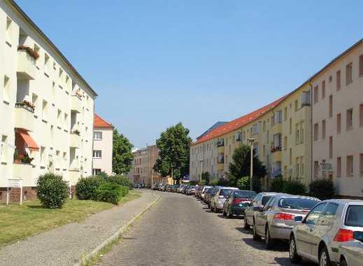 Sanierte Singl-Wohnung  mit großer Wohnküche