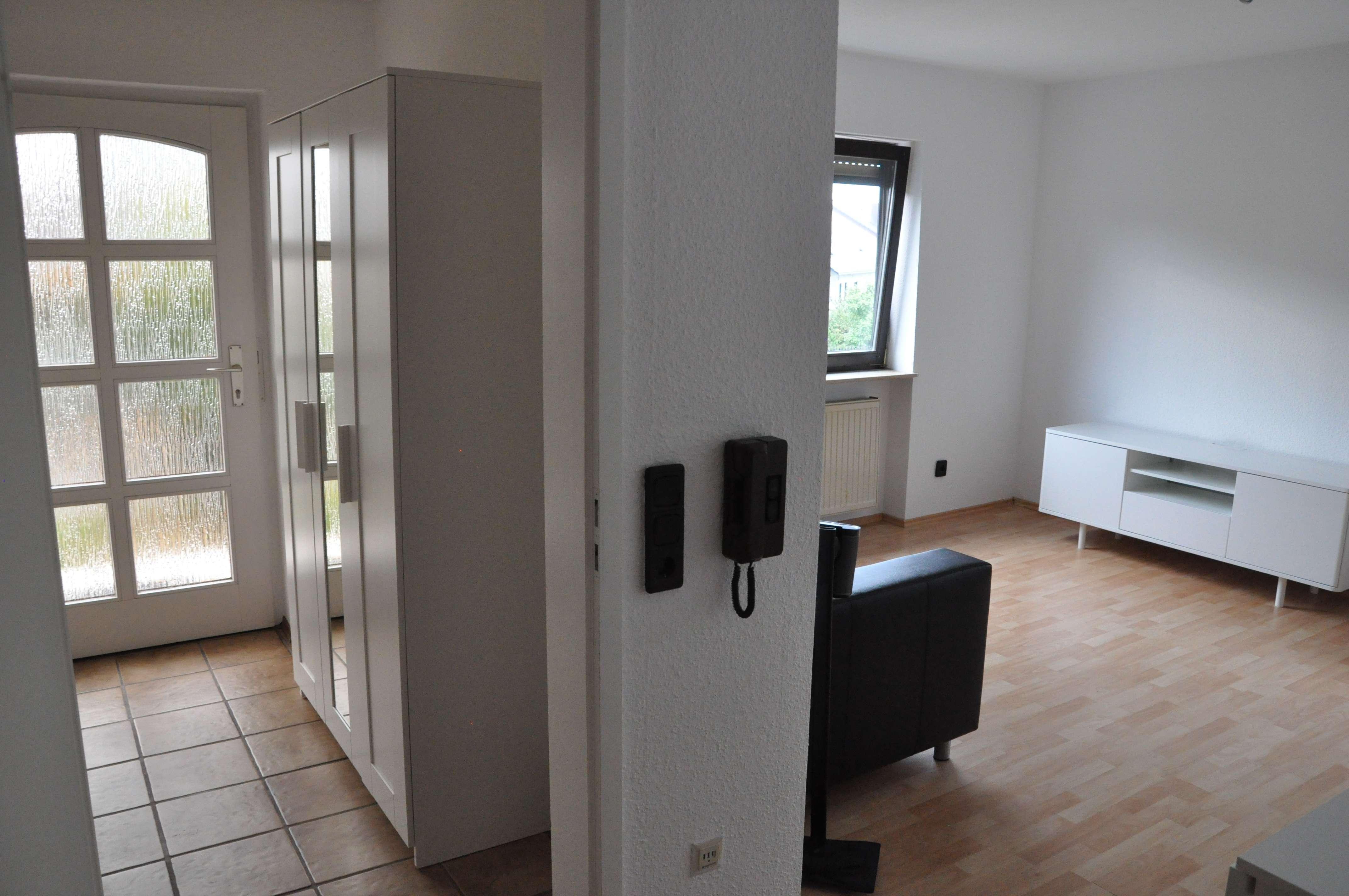 Vollständig renovierte 1-Zimmer-Erdgeschosswohnung mit Einbauküche in Haibach.aibach/Aschaffenburg in Haibach (Aschaffenburg)