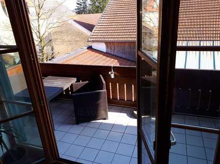 Schöne helle 2,5 Zimmer (ca60 m²) DG Wohnung in Vaterstetten