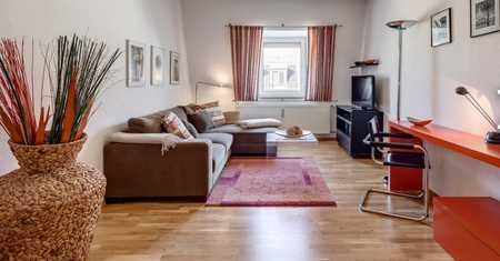 Möblierte 2-Zimmer-Wohnung (oberste Etage mit Lift) in Maxvorstadt in Maxvorstadt (München)