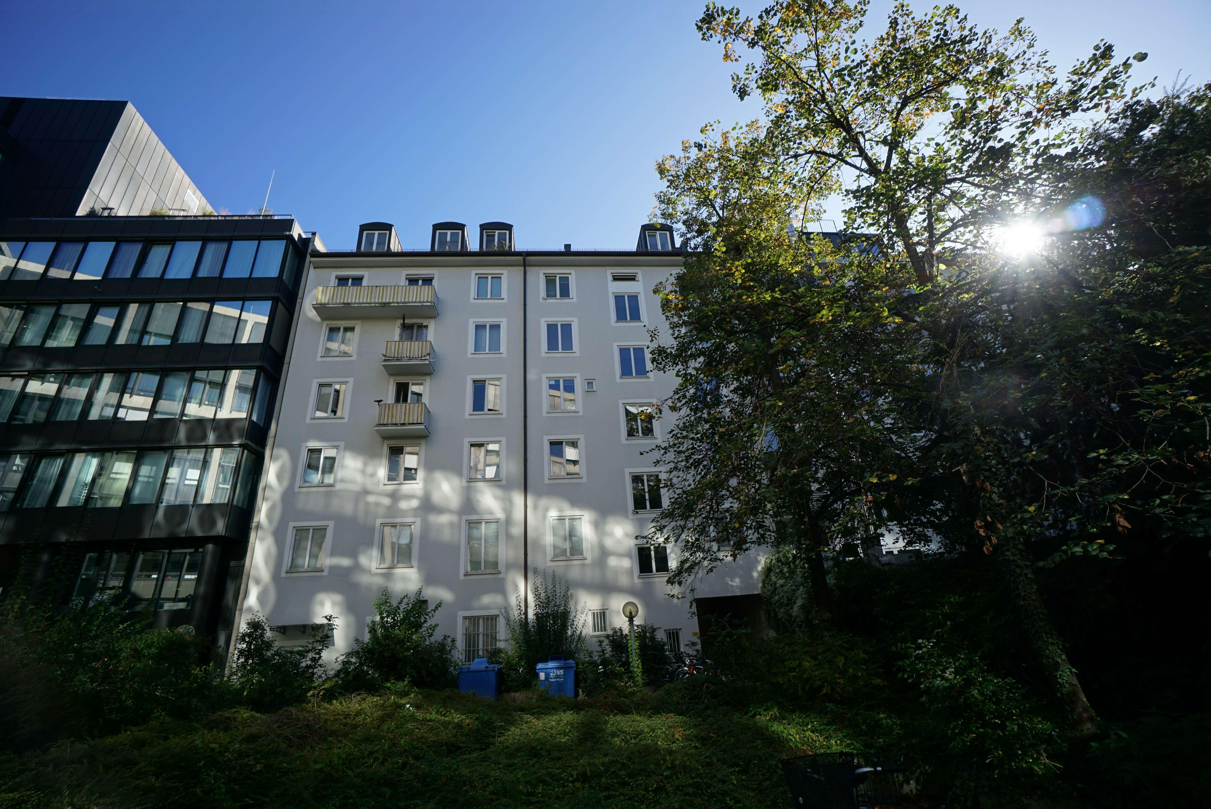 Erstbezug nach Kernsanierung - 3-Zimmer-Wohnung mit Balkon in Maxvorstadt (München)
