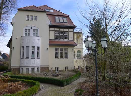 Qualifizierter Alleinauftrag! Repräsentative Jahrhundertwendevilla mit drei separaten Wohneinheiten
