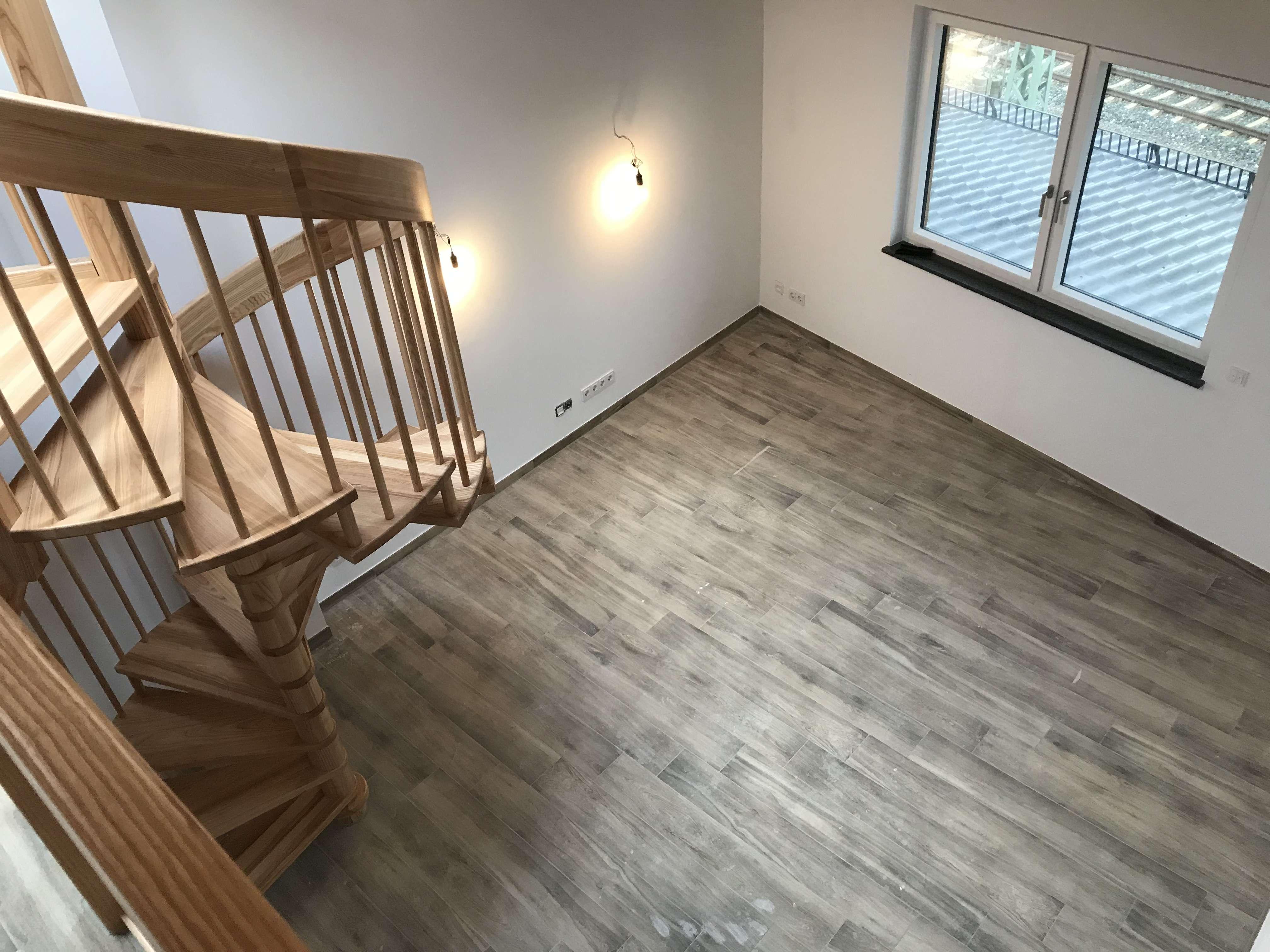 Nr. 22 Wunderschöne 3 Zimmer Galeriewohnung mit Holz Sichtdachstuhl in Germering (Fürstenfeldbruck)