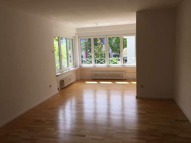 Erstbezug nach Sanierung mit EBK und Loggia: attraktive 3-Zimmer-Wohnung in Obermenzing, München in Obermenzing (München)