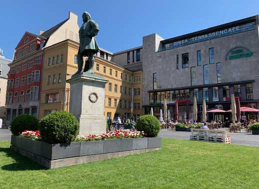 Stadtpalais am Markt: Hochwertige 4-Zimmer-Maisonette-Wohnung am halleschen Marktplatz